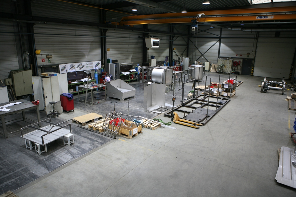 All machines are built on a special 100 % horizontal welding floor