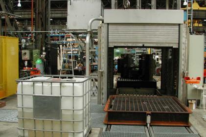 Tunnel de lavage pour le nettoyage de moteurs de traction