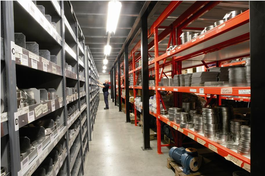 A large warehouse where ± 4,000 parts are in stock